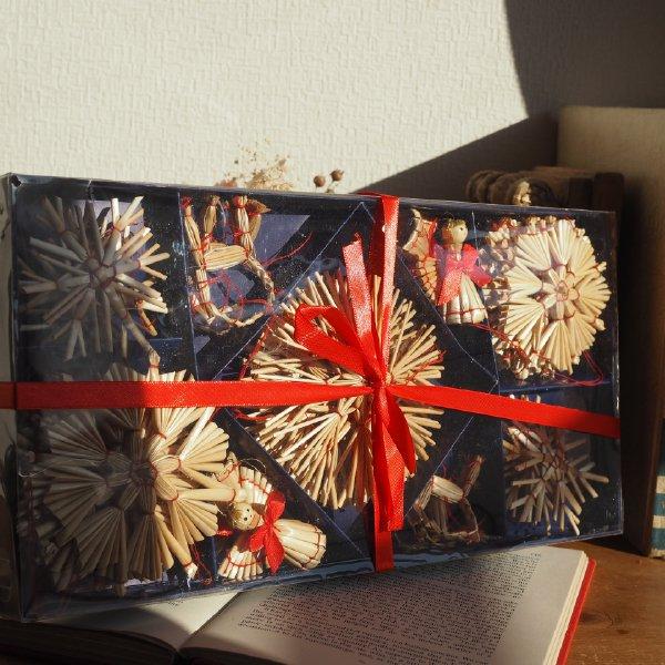 ストローオーナメントセット 天使とトナカイ 28pcs 青紙箱M 6-11cm 赤糸 クリスマス