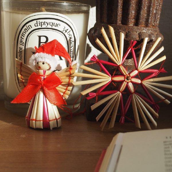 ストローオーナメントセット 帽子の天使と朱色星 34pcs 茶紙箱L 6-12cm 赤糸 クリスマス