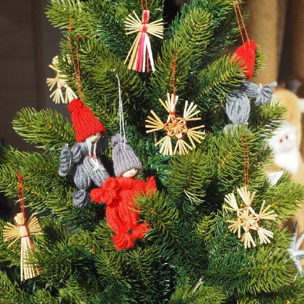 ストローオーナメントセット 天使と毛糸の小人 19pcs 茶紙箱S 6cm 赤糸 クリスマス