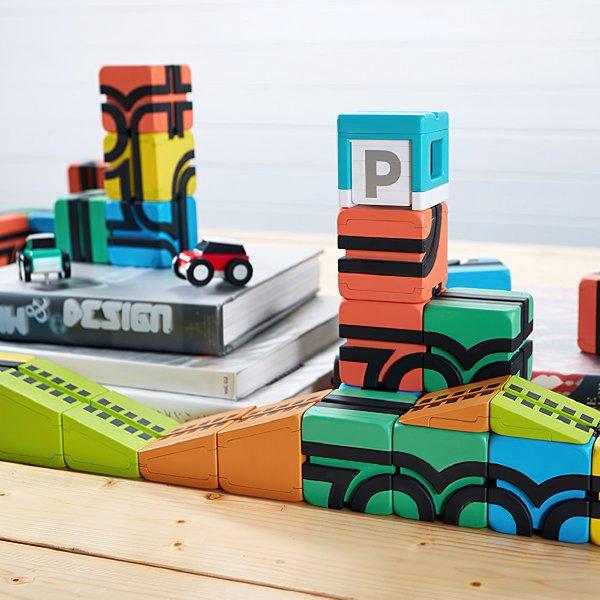 [QBI キュービーアイ]PLUS 33ピース 車4台入り プログラミング的思考を育てる磁石ブロック知育玩具