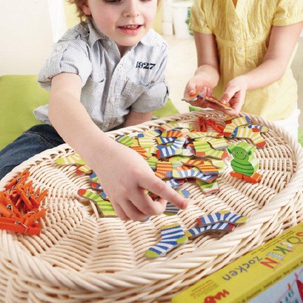 [ HABA ハバ ] ソックスモンスター 日本語説明書付 4歳 2-6人 ブラザージョルダン ドイツ ボードゲーム スピードゲーム カードゲーム