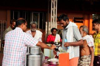 フード・サービス・プログラム(食事の配給支援)