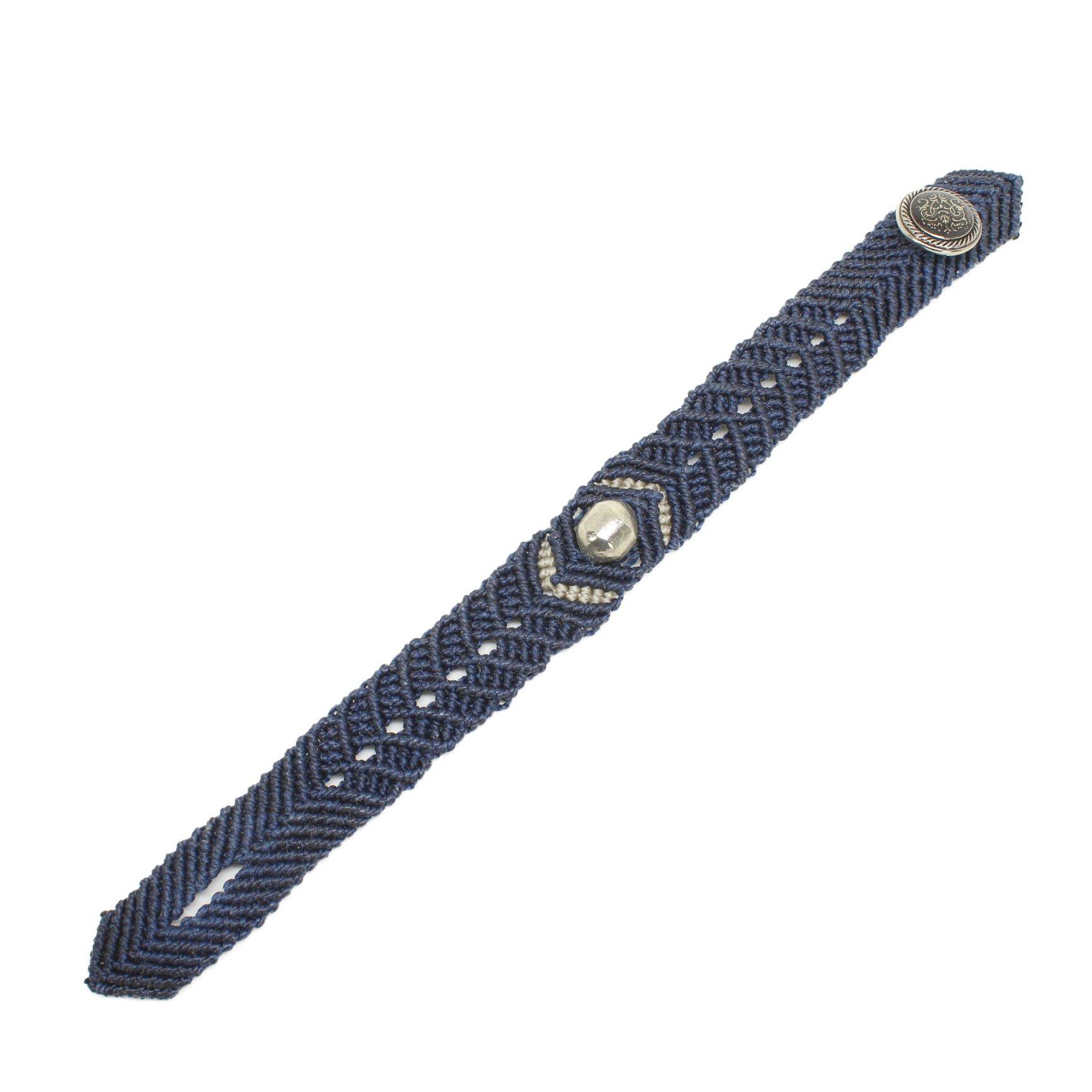 パラド(約12mmサイズ)・マクラメリストバンド(紺色)