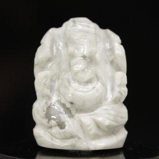 ハウライト・ガネーシャ神像(約16グラム、高さ約2.9cm)