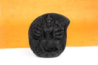ドゥルガー女神像(シャーラグラーマ、432g)(受注発注品)