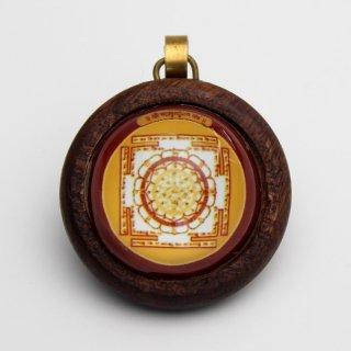 マハームリティユンジャヤ・ヤントラ・ペンダント(木製)
