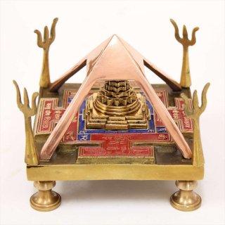 シュリー・ヴァーストゥ・ヤントラ(立体、真鍮製)