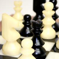 ※送料無料!※【シャープな色合い】アラバスターチェスセット ブラック×ホワイト NS11