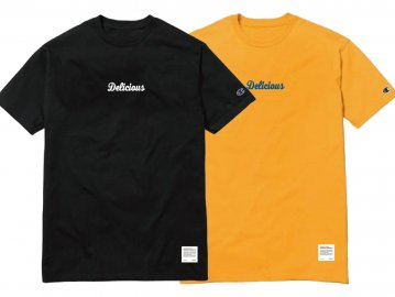 Delicious [ Delicious Script Logo Tee (6oz Champion Body) ] BLACK・GOLD