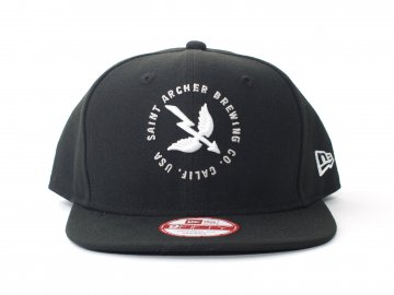 SAINT ARCHER BREWING CO. [ WING&ARROW Snapback NE Cap ] BLACK x BLACK