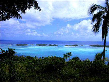《アートフォト》タヒチ・ボラボラ島の海と小さな島々(レンタル対象)
