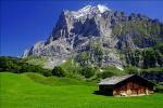 《アートフォト》スイス ヴェッターホルンと民家(レンタル対象)