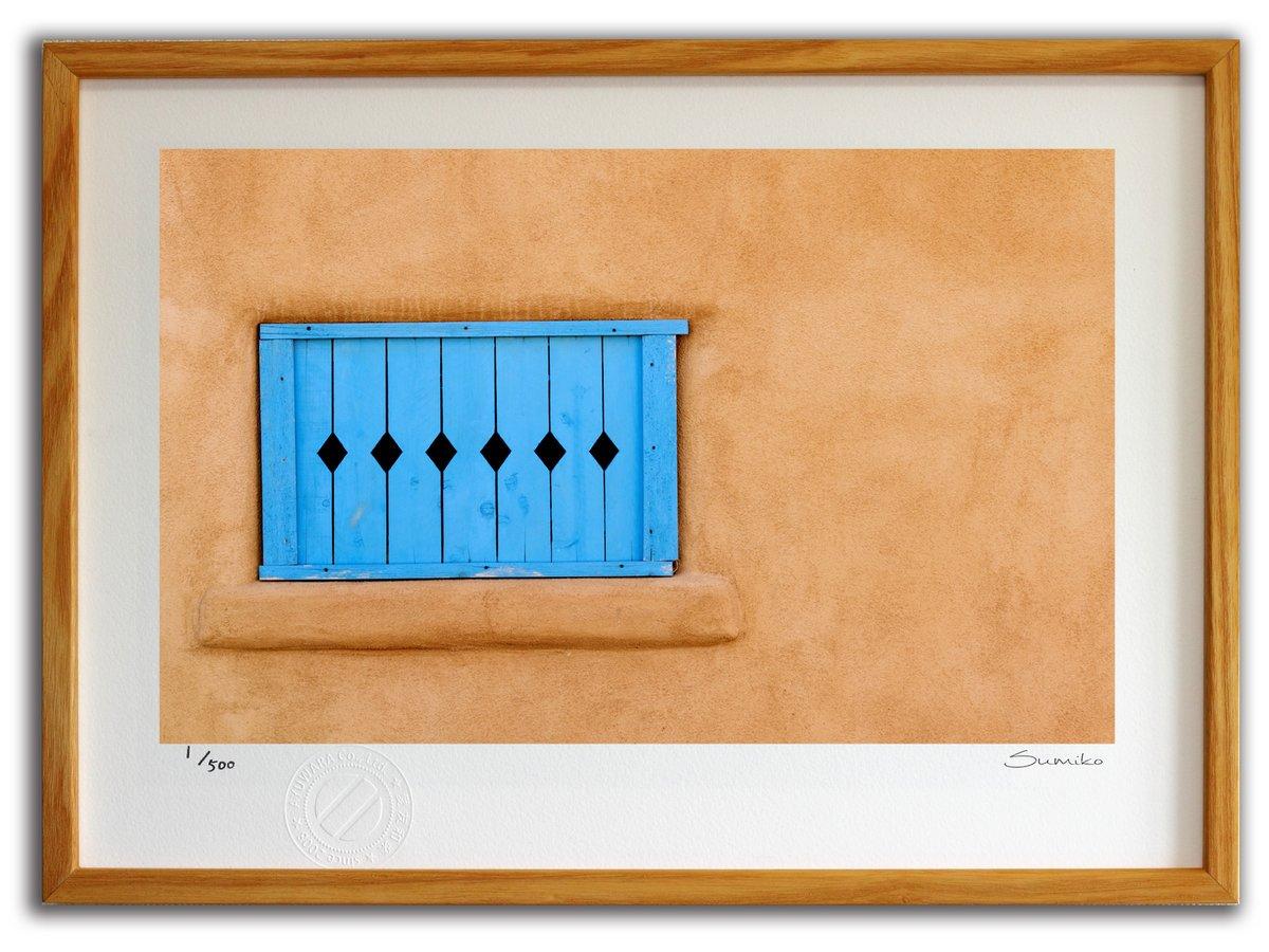 【版画 絵画】サンタフェの青い窓(スミコ スコット)/インテリア 壁掛け 額入り アート アートパネル アートフレ…