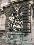 《アートフォト》家族を護る天使 (撮影地:ブダペスト 王宮)(レンタル対象)