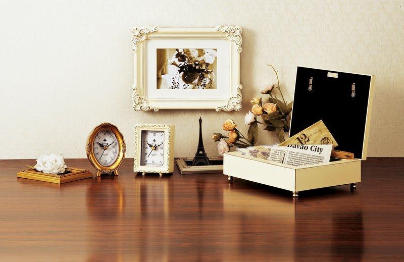 《時計》アンティーク スタイル クロック ハウス(シルバー)