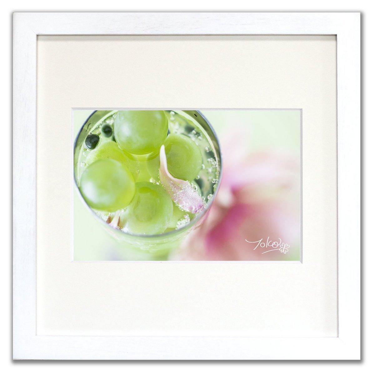 《ジクレー版画》Daisy and Berries_glass (デイジー&ベリー_グラス)〔竹内陽子〕/リビングを華やかに彩るインテリア。絵画のようなフラワーフォト