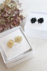 BUFFALO HORN CHRYSANTHEMUM EARRINGS(si-si-si)