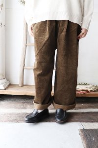 Strech Corduroy Wide Straight Pants(HEAVENLY)<img class='new_mark_img2' src='https://img.shop-pro.jp/img/new/icons8.gif' style='border:none;display:inline;margin:0px;padding:0px;width:auto;' />