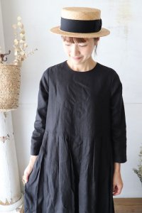 Linen Tuck Dress(un cinq)<img class='new_mark_img2' src='https://img.shop-pro.jp/img/new/icons56.gif' style='border:none;display:inline;margin:0px;padding:0px;width:auto;' />