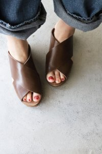 ◆SALE30%◆WIDE CROSS STRAP SANDAL(EXPERT)<img class='new_mark_img2' src='https://img.shop-pro.jp/img/new/icons20.gif' style='border:none;display:inline;margin:0px;padding:0px;width:auto;' />