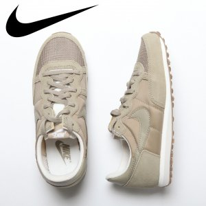 NIKE ナイキ チャレンジャ− 【カラー: 201】 725066-201 【16SS】 【新作】 <img class='new_mark_img2' src='//img.shop-pro.jp/img/new/icons11.gif' style='border:none;display:inline;margin:0px;padding:0px;width:auto;' />