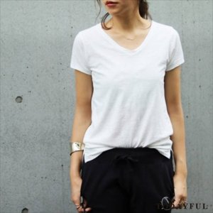 TODAYFUL �ȥ��ǥ��ե� Useful V Neck Tee 11690601 ��16AW1�ۡڿ����<img class='new_mark_img2' src='http://diva-brandshop.com/img/new/icons11.gif' style='border:none;display:inline;margin:0px;padding:0px;width:auto;' />