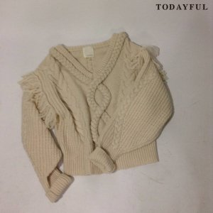 【SOLDOUT】TODAYFUL トゥデイフル Vneck Fringe Knit 11620540 【16AW2】 <img class='new_mark_img2' src='https://img.shop-pro.jp/img/new/icons47.gif' style='border:none;display:inline;margin:0px;padding:0px;width:auto;' />