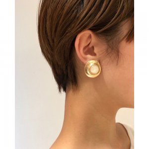 TODAYFUL トゥデイフル Nuance Shell Earring 11910939 【19SS2】【新作】 <img class='new_mark_img2' src='https://img.shop-pro.jp/img/new/icons11.gif' style='border:none;display:inline;margin:0px;padding:0px;width:auto;' />
