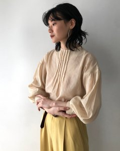 TODAYFUL トゥデイフル Pintuck Dry Blouse 12010410 【20SS1】【新作】 <img class='new_mark_img2' src='https://img.shop-pro.jp/img/new/icons11.gif' style='border:none;display:inline;margin:0px;padding:0px;width:auto;' />