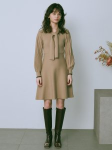 LILY BROWN リリーブラウン ボウタイニットワンピース LWNO205002 【20AW2】【新作】 <img class='new_mark_img2' src='https://img.shop-pro.jp/img/new/icons11.gif' style='border:none;display:inline;margin:0px;padding:0px;width:auto;' />