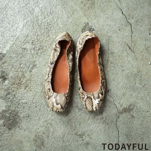 TODAYFUL トゥデイフル Python Flat Shoes 11821070 【18AW2】【新作】 <img class='new_mark_img2' src='https://img.shop-pro.jp/img/new/icons11.gif' style='border:none;display:inline;margin:0px;padding:0px;width:auto;' />