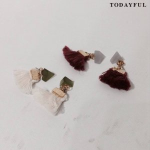 【SOLDOUT】TODAYFUL トゥデイフル Triangle Fringe Pierce 11620958 【16AW2】 <img class='new_mark_img2' src='https://img.shop-pro.jp/img/new/icons47.gif' style='border:none;display:inline;margin:0px;padding:0px;width:auto;' />