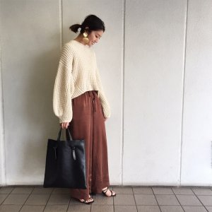 TODAYFUL トゥデイフル Voluminous Sleeve Knit 11720524 【17AW1】【先行予約】【クレジット限定 納期9月〜10月頃予定】<img class='new_mark_img2' src='https://img.shop-pro.jp/img/new/icons15.gif' style='border:none;display:inline;margin:0px;padding:0px;width:auto;' />