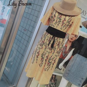 LILY BROWN リリーブラウン パネル刺繍ワンピース LWFO172079 【17SS2】【人気商品】<img class='new_mark_img2' src='https://img.shop-pro.jp/img/new/icons31.gif' style='border:none;display:inline;margin:0px;padding:0px;width:auto;' />