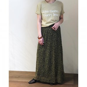 TODAYFUL トゥデイフル Flower Slit Skirt 11910810 【19SS1】【先行予約】【クレジット限定 納期3月〜4月頃予定】 <img class='new_mark_img2' src='https://img.shop-pro.jp/img/new/icons15.gif' style='border:none;display:inline;margin:0px;padding:0px;width:auto;' />