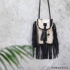 【SOLDOUT】TODAYFUL トゥデイフル Canvas Fringe Shoulderbag 11621051 【16AW2】 <img class='new_mark_img2' src='//img.shop-pro.jp/img/new/icons47.gif' style='border:none;display:inline;margin:0px;padding:0px;width:auto;' />