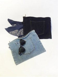 TODAYFUL トゥデイフル Denim Pocket Pouch ポーチ 11521027 【15AW1】【人気商品】<img class='new_mark_img2' src='//img.shop-pro.jp/img/new/icons31.gif' style='border:none;display:inline;margin:0px;padding:0px;width:auto;' />