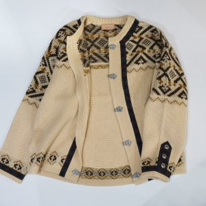 TODAYFUL トゥデイフル Tyrolean Knit Cardigan 11720204 【17AW2】【先行予約】【クレジット限定 納期11月〜12月頃予定】 <img class='new_mark_img2' src='https://img.shop-pro.jp/img/new/icons15.gif' style='border:none;display:inline;margin:0px;padding:0px;width:auto;' />
