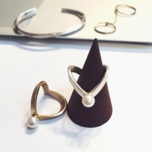 TODAYFUL トゥデイフル Triangle Pearl Ring 11610908 【16SS1】【人気商品】<img class='new_mark_img2' src='https://img.shop-pro.jp/img/new/icons31.gif' style='border:none;display:inline;margin:0px;padding:0px;width:auto;' />