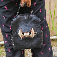 <img class='new_mark_img1' src='//img.shop-pro.jp/img/new/icons3.gif' style='border:none;display:inline;margin:0px;padding:0px;width:auto;' />【MALICIOUS.X】CAT FANG BACK PACK &SHOULDER(CROCODILE)
