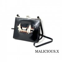 【MALICIOUS.X】CAT FANG SQUARE METAL CLASP SHOULDER BAG