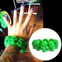 <img class='new_mark_img1' src='https://img.shop-pro.jp/img/new/icons20.gif' style='border:none;display:inline;margin:0px;padding:0px;width:auto;' />【KREEPSVILLE666】GREEN SKULL COLLECTION BRACELET