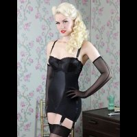 【WHAT KATIE DID】即納品!GLAMOUR ZIP UNDERBUST GIRDLE-BLACK/UK10(W63H89)