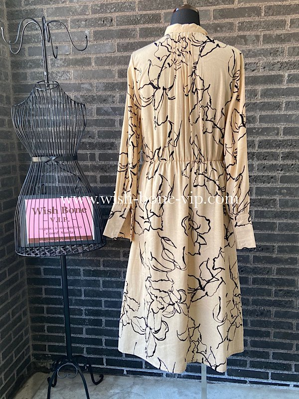 【SALE*50%OFF/返品交換不可】【イタリア製インポート】ミモレ丈・シャツワンピース|アートフラワークリーム(M)<img class='new_mark_img2' src='https://img.shop-pro.jp/img/new/icons16.gif' style='border:none;display:inline;margin:0px;padding:0px;width:auto;' />の画像