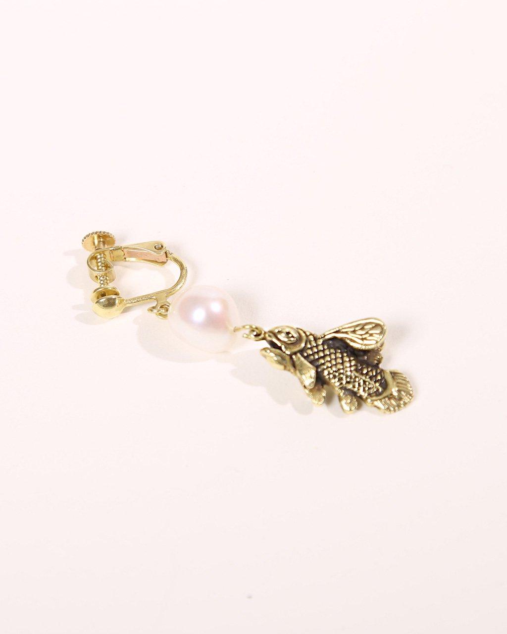 [ご予約]fly coelacanth earring brass[8月お届け]