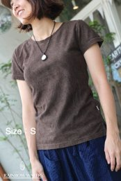 <img class='new_mark_img1' src='//img.shop-pro.jp/img/new/icons53.gif' style='border:none;display:inline;margin:0px;padding:0px;width:auto;' />HEMP LINEN ORGANIC COTTON レディース パッド入りT-シャツ / 草木染めDARK BROWN