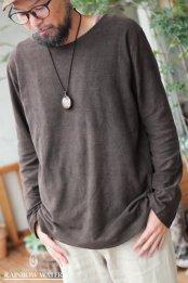 【HEMP LINEN ORGANIC COTTON】メンズ ノーマルネック ロングスリーブT-シャツ / 草木染めDARK BROWN