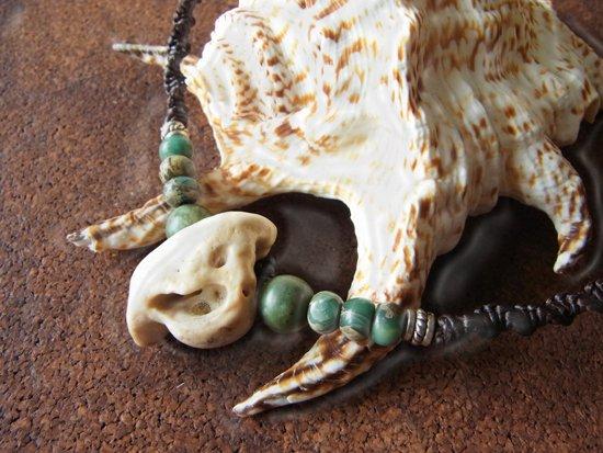 竜宮アクセサリー イルカの化石チョーカー(グリーンオパール・インペリアルジャスパー)