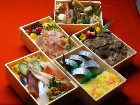104 鯖寿司詰合せ 2000円