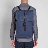 RAINS レインズ /  BACKPACK-BLUE デンマーク発。<br>雨の日が楽しくなるシンプル仕様のバックパック<img class='new_mark_img2' src='//img.shop-pro.jp/img/new/icons50.gif' style='border:none;display:inline;margin:0px;padding:0px;width:auto;' />